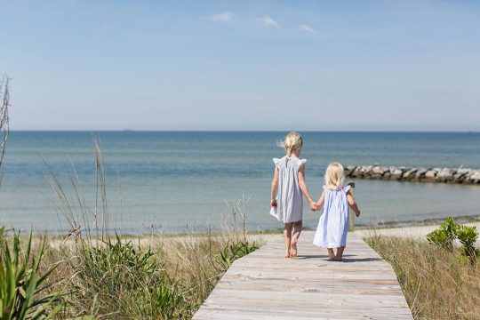 Kids-Beach-Crossing